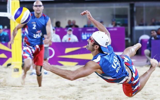 jogador de vôlei Phil Dalhausser, EUA e Japão (Foto: Agência AP)