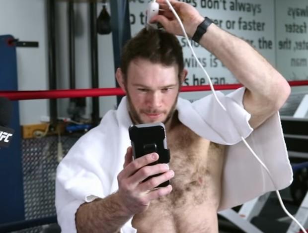 BLOG: Vídeo: Forrest Griffin cumpre promessa e raspa cabelo após título de Garbrandt
