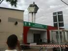 Homem ataca pacientes, sobe em caixa d'água e inunda PS em SP