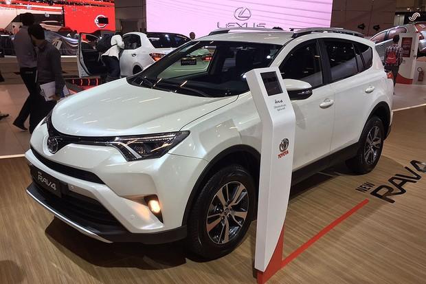 Novo Toyota RAV4 no Salão do Automóvel 2016 (Foto:  Caio Patriani/Autoesporte)