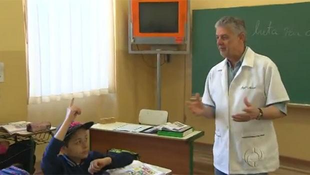 Professor Marcos Pilatti vê a carreira na sala de aula como uma missão de vida (Foto: Reprodução)