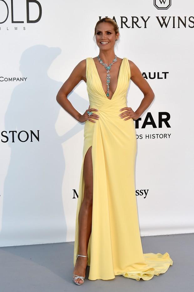 Heisi Klum no baile de gala da amfAR, em Cannes, na França (Foto: AFP)
