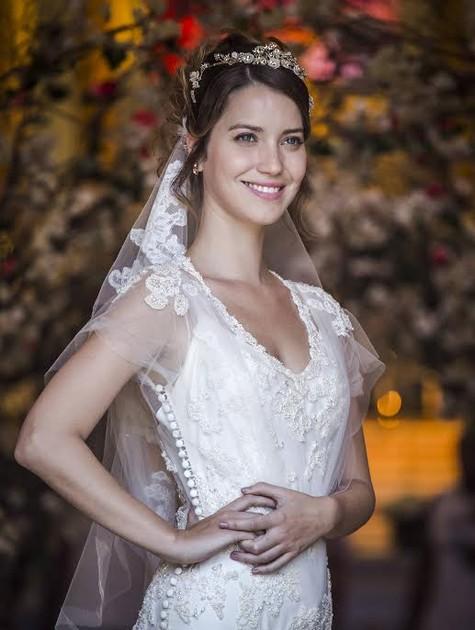 Nathalia Dill se veste de noiva para 'Alto astral' (Foto: Globo / Paulo Belote)