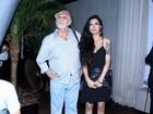 Francisco Cuoco vai com a namorada 53 anos mais nova a evento no Rio