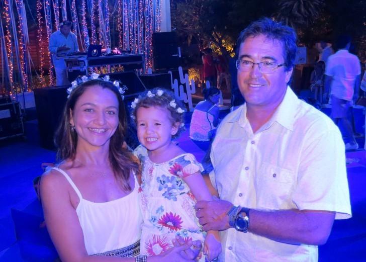Maíza Gomes, Isadora e Ismael Escolte