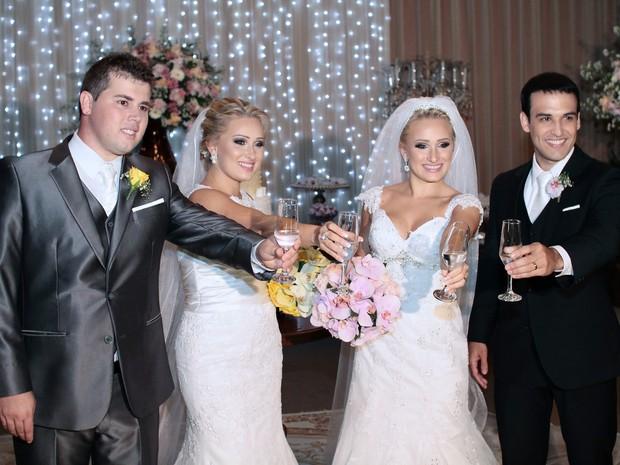 Gêmeas se casam na mesma cerimônia e serão vizinhas no Espírito Santo. (Foto: Timóteo Sodre/ Arquivo Pessoal)