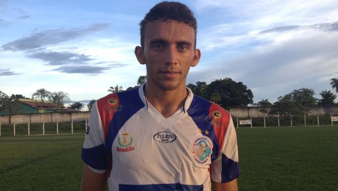 Batata marcou dois gols na vitória do Araguaína contra o Tocantins (Foto: Vilma Nascimento/GloboEsporte.com)