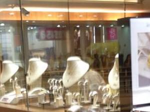 ffc00952da6 G1 - PM detém três suspeitos de roubo a joalheria em shopping ...