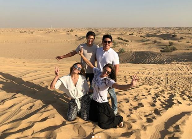 César Filho e Elaine Mickely com os filhos no deserto de Dubai (Foto: Reprodução/Instagram)