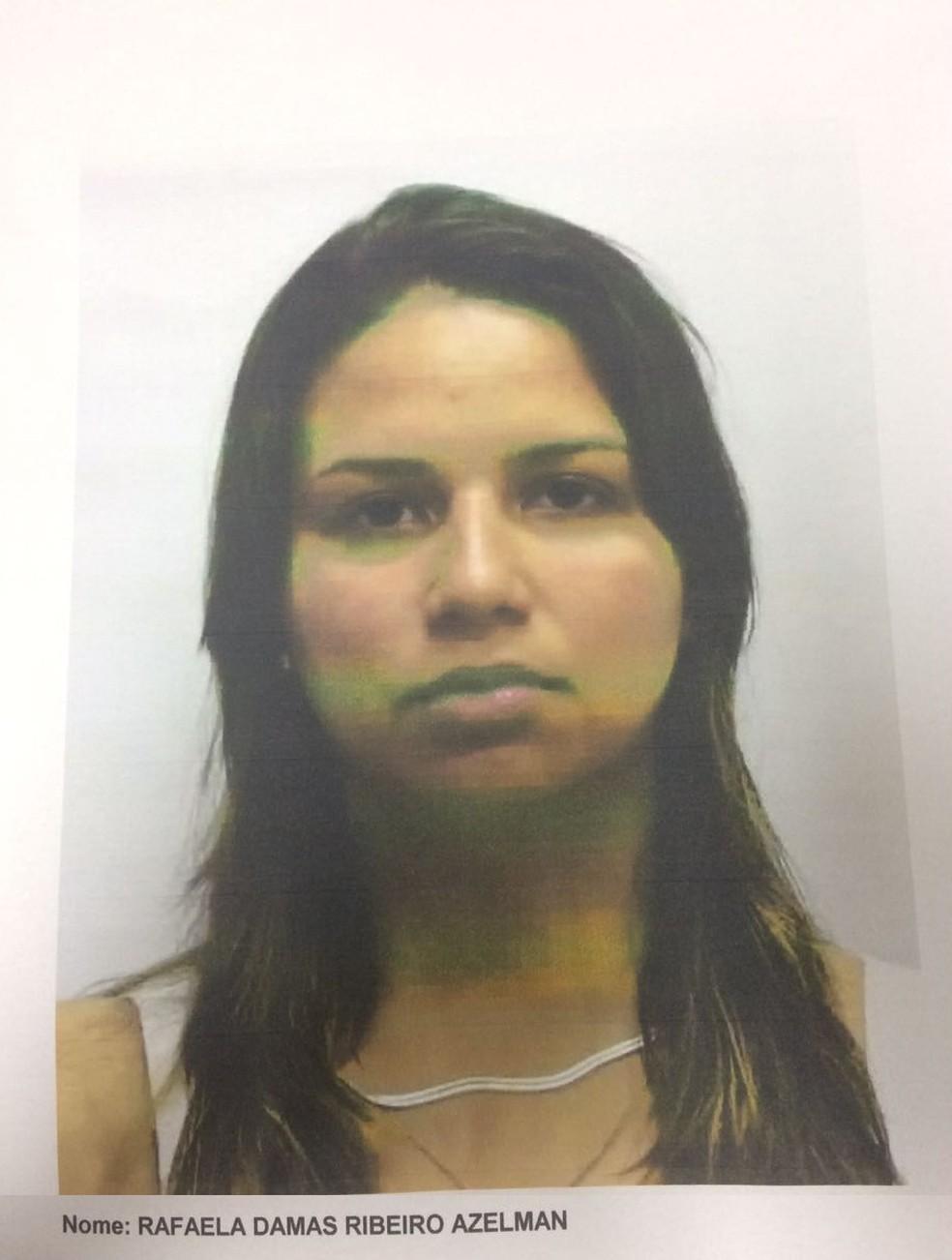 Polícia Civil divulga foto de foragida acusada pela morte de seu marido (Foto: Divulgação/Polícia Civil)