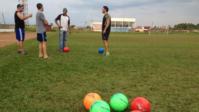 Jogadores do Guajará se mobilizam em feijoada beneficente (Foto: Dayanne Saldanha)
