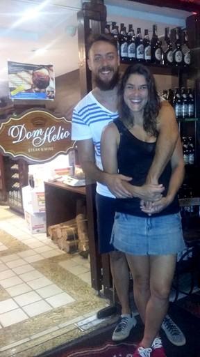 Priscila Fantin e o marido, Renan Abreu, em restaurante na Zona Oeste do Rio (Foto: Delson Silva/ Ag. News)