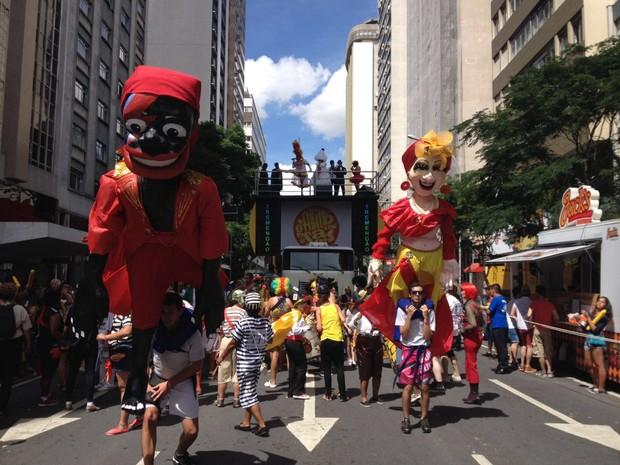 Foram três fins de semana de pré-carnaval no Centro de Curitiba e no bairro Sítio Cercado (Foto: Augusto Klein/ RPC)