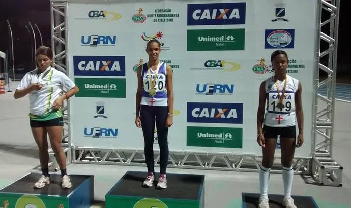 Janaína Rodrigues ganhou duas medalhas de ouro no Norde-Nordeste (Foto: Herton  Diniz / Arquivo pessoal)