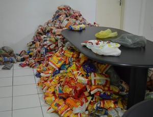 Mias de 10 mil quilos de laimentos já forama rrecadados (Foto: Felipe Martins/GLOBOESPORTE.COM)