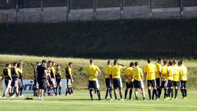 Criciúma apresenta (Foto: Douglas Sartor/www.criciumaec.com.br)