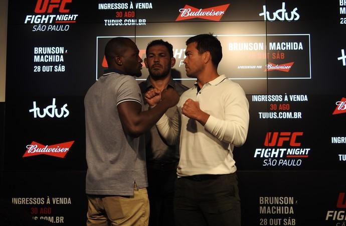 Lyoto Machida e Derek Brunson encarada Media Day UFC SP (Foto: Alexandre Fernandes)