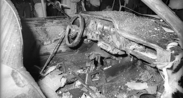 Carro destruído depois do atentado no Riocentro (Foto: Acervo/O Globo)
