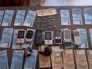 Material foi apreendido com a quadrilha em Alagoinha (Foto: Divulgação/PM)