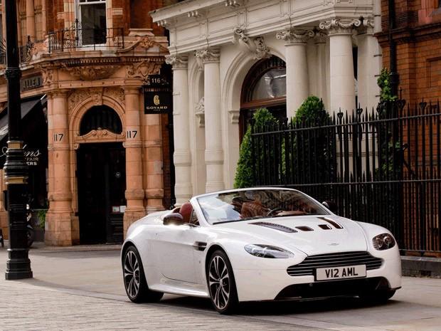 Aston Martin V12 Vantage Roadster  (Foto: Divulgação)