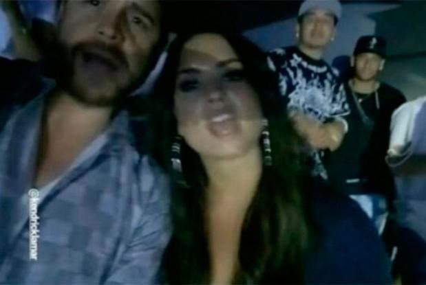 Neymar aparece ao fundo do vdeo em que Demi Lovato canta msica de Kendrick Lamar com amigo (Foto: Reproduo/Instagram)