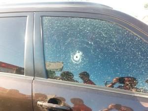 Mesmo baleada, vítima perseguiu assaltante em Natal (Foto: Divulgação/Polícia Militar do RN)