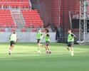 Na volta de Fernando Bob, Lisca repete Inter em treino setorizado