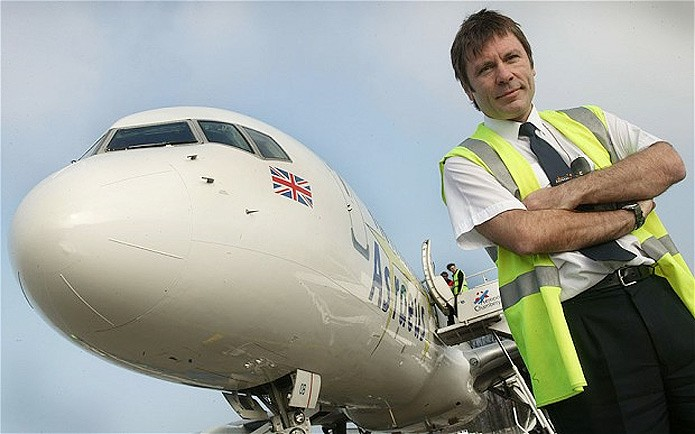 O vocalista do Iron Maiden, Bruce Dickinson, contará sua experiência no gerenciamento de equipes (Foto: Reprodução/Telegraph) (Foto: O vocalista do Iron Maiden, Bruce Dickinson, contará sua experiência no gerenciamento de equipes (Foto: Reprodução/Telegraph))