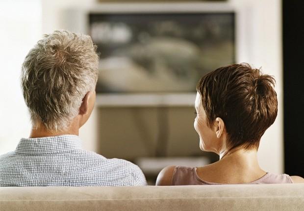 Tv; televisão; casal; propaganda (Foto: Thinkstock)
