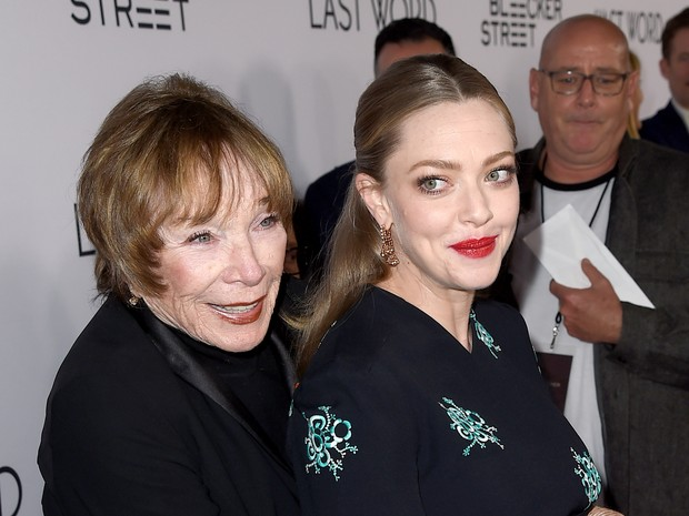 Shirley MacLaine e Amanda Seyfried em première em Los Angeles, nos Estados Unidos (Foto: Kevin Winter/ Getty Images/ AFP)