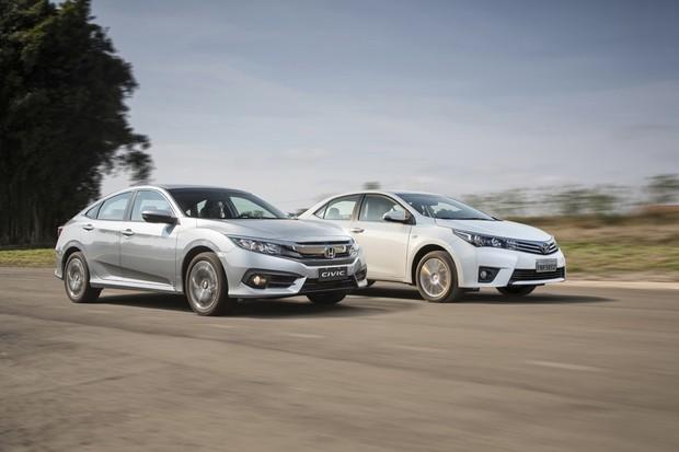 Novo Civic e Corolla tem algo em comum: o uso de motor 2.0 e câmbio CVT (Foto: Fabio Aro/Autoesporte)
