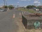 Caixa de concreto na rua atrapalha motoristas em Santa Bárbara d'Oeste