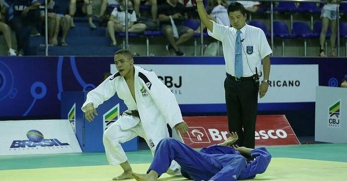 Jonas de faixa branca durante luta (Foto: Arquivo pessoal/ Jonas)