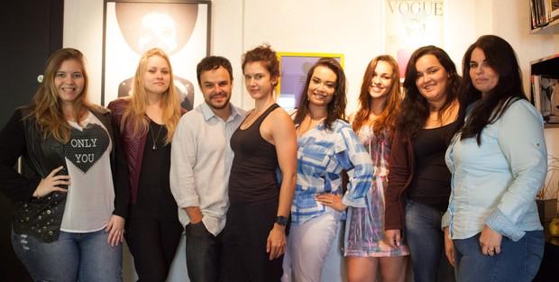 Adrilles com a equipe de modelos plus size que participaram do workshop (Foto: Equipe Plus/Divulgação)