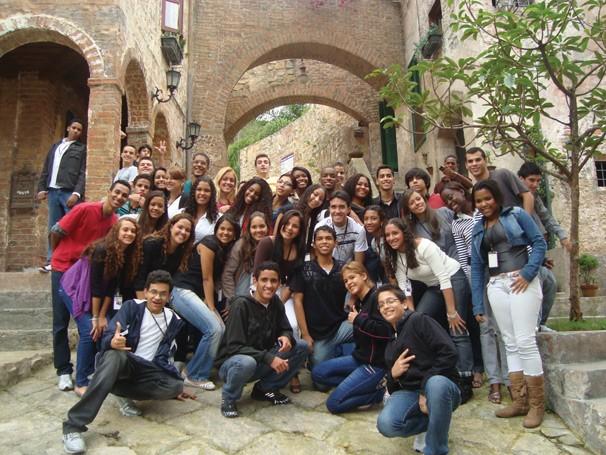 O programa 'Jovem Aprendiz' formou 158 jovens entre 14 e 24 anos (Foto: Divulgação Rede Globo)