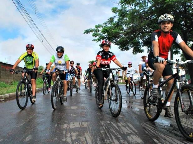 Ciclistas percorreram cinco quilômetros neste domingo (Foto: Sérgio Urel/ Arquivo pessoal)