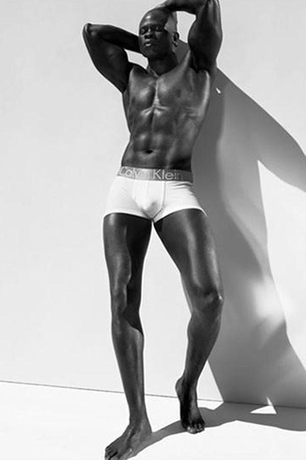Djimon Hounsou para Calvin Klein (Foto: Divulgação)
