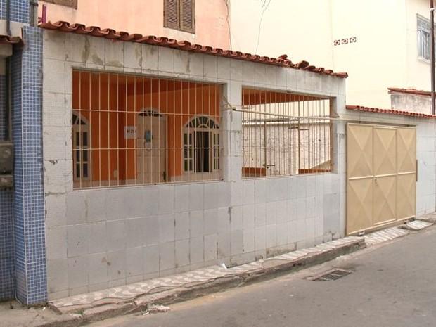 Casa onde aconteceu a fatalidade, em Jabour, Vitória (Foto: Reprodução/ TV Gazeta)