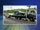 Carros batem de frente e motoristas ficam feridos em Laranjal Paulista