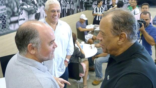 Maurício Assumpção e Carlos Alberto TorresCarlos Alberto Torres na inauguração do novo vestiário do Botafogo (Foto: Vicente Seda / Globoesporte.com)