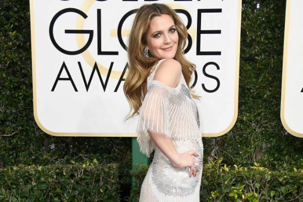 Drew Barrymore no Globo de Ouro (Foto: Getty Images)