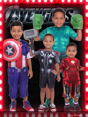 Meninos na primeira festa de aniversario comemorada em família (Foto: Osmir Messora/Reprodução)