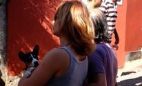 Eleitora leva cachorro para local de votação (Ruan Melo/ G1)
