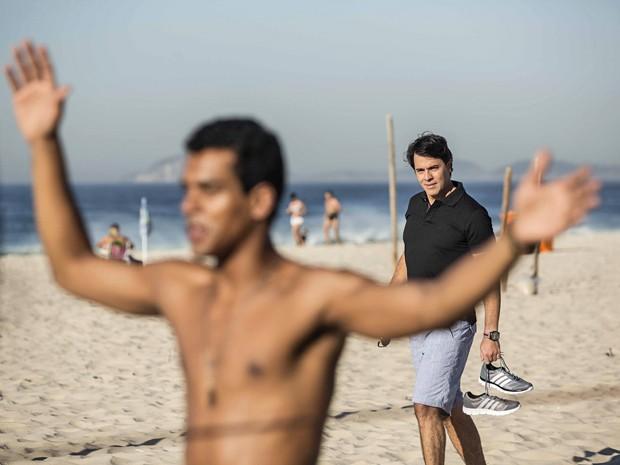 Personagem de Claudio Lins fica encantado com Ivan (Foto: Inácio Moraes / Gshow)