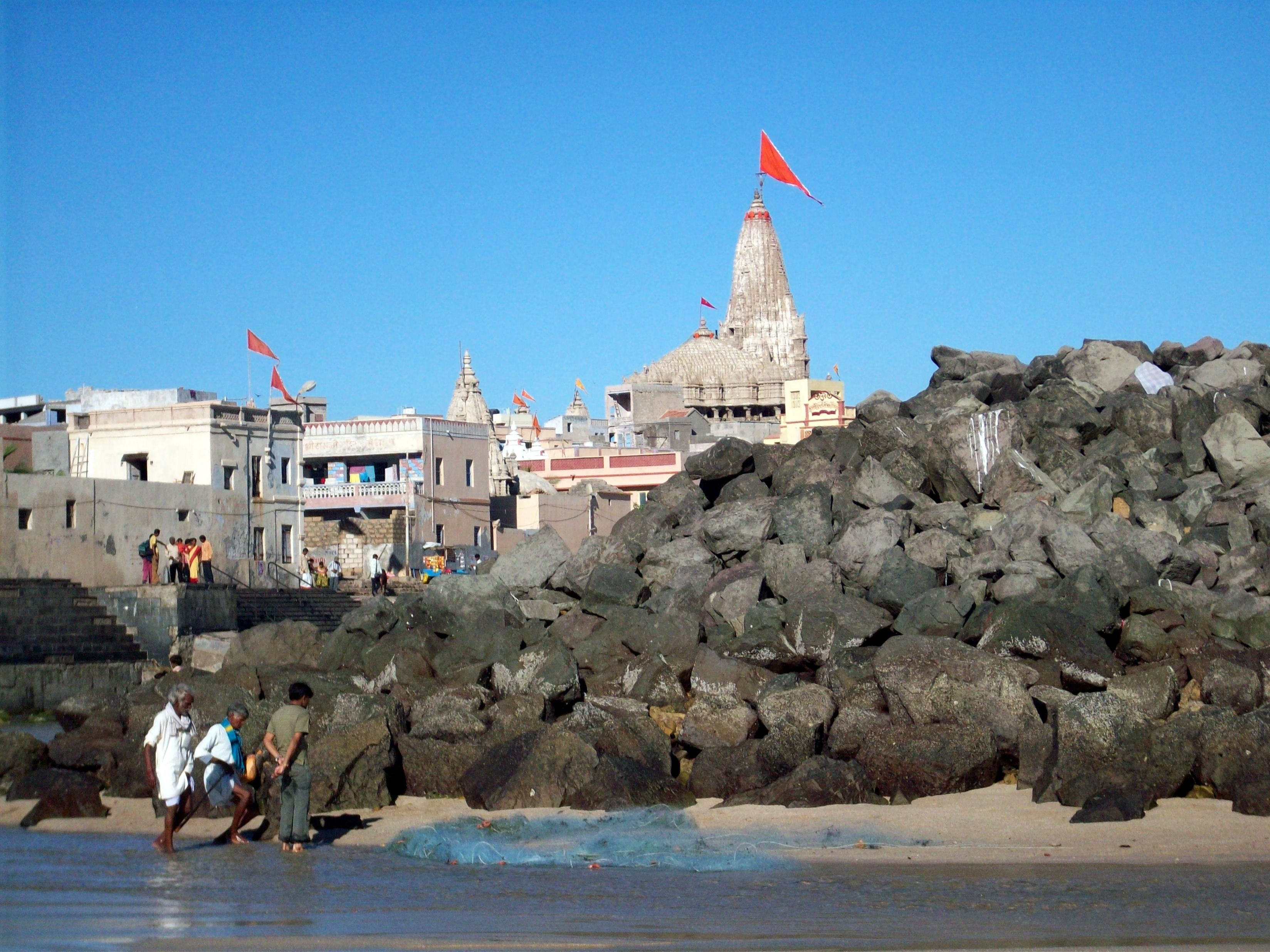 Dwarka fica na costa indiana (FOTO: WIKIMEDIA/SHISHIRDASIKA)