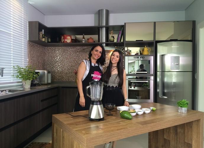 Thalita Meneghim traz mais uma dica do quadro Troca de Receitas (Foto: RBS TV/Divulgação)