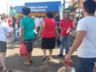 Grupo faz ato contra impeachment de Dilma no Centro de Piracicaba, SP