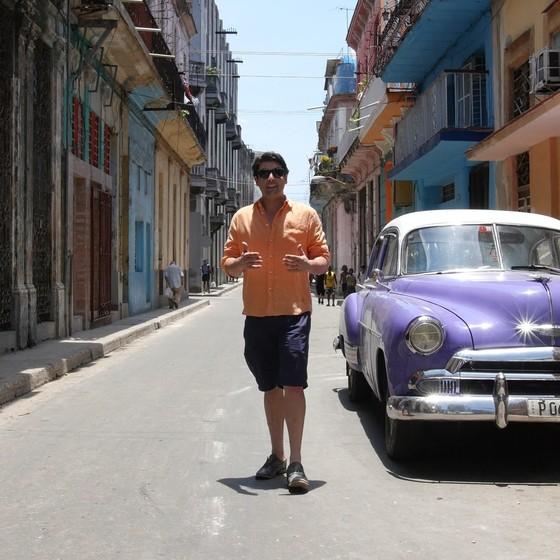 """Bruno De Luca comemora 10 anos à frente do """"Vai Pra Onde?"""" em Cuba (Foto: Divulgação)"""