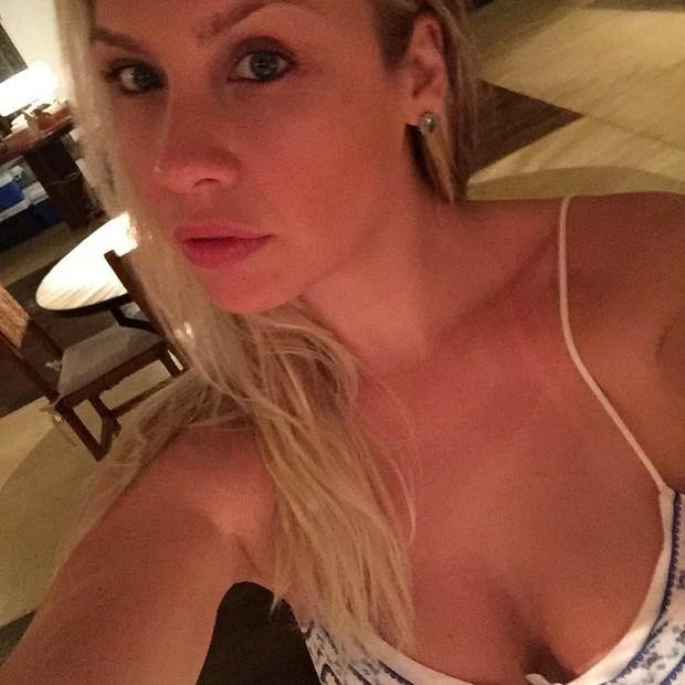 Ex-BBB Ana Carolina Madeira exibe marquinha (Foto: Instagram/ Reprodução)
