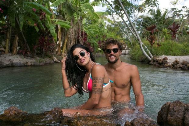 Casalzão! Aline Riscado e Felipe Roque.  (Foto: Leo Lemos)